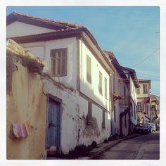 Beautiful but neglected houses on Sachtouri Str. (Walking Thessaloniki / Route Ano Poli b) Thessaloniki, Sufi, Daydream, Greece, Walking, World, City, Places, Houses