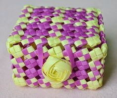 DIY Weaved Basket from Packing Strip - The Idea King