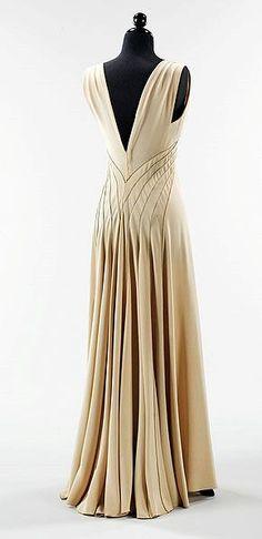 Hawes 'Diamond Horseshoe' Gown - back - 1936 - by Elizabeth Hawes (American, 1903-1971) - @Mlle