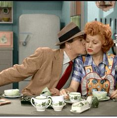 A morning scene from I Love Lucy. Notice Lucy's personal Franciscan Ivy dishes.