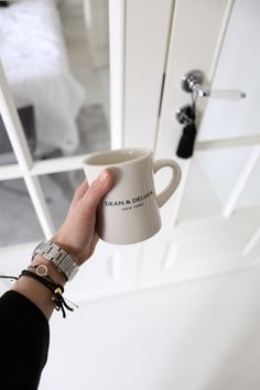Homevialaura | Dean & DeLuca coffee mug | Little black dress | Zara | bell sleeves