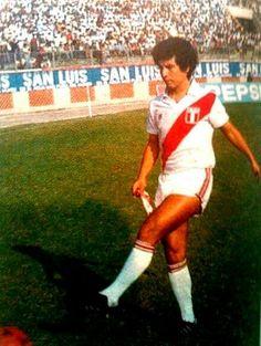 César Cueto 'El poeta de la zurda' tremendo jugador de la Selección peruana. (Foto: Difusión)  Copa América: 1 (1975) Mundial: 2 (1978 y 1982)
