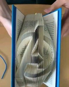 is insane ! This guy made Avengers logo by folding book pages.This guy made Avengers logo by folding book pages. Marvel Jokes, Funny Marvel Memes, Avengers Memes, Avengers Crafts, Marvel E Dc, Marvel Heroes, Marvel Comics, Marvel Logo, The Avengers