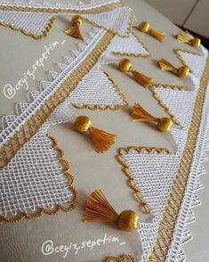 Hanımlar umarım beklediğinize değişmiştirSatın almak isteyen Dm'den ulaşabilir KESİNLİKLE ALINTI YAPARAK SAYFANİZDA PAYLAŞMAYIN Bead Embroidery Patterns, Beaded Embroidery, Uñas Diy, Moda Emo, Crochet Home Decor, Crochet Borders, Needle Lace, Lace Making, Piercings