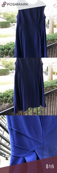 Shelby & Palmer Indigo Dress The best thing about this dress is the rich indigo color. The photos are inconsistent but the color in person is closer to the brighter pictures. The dress is a size 18 but I'd say it runs a bit small. There is a small stain (is pictured) that appeared after I moved. Seems like it could be washed out. Selling as is. 🇨🇱 Shelby & Palmer Dresses