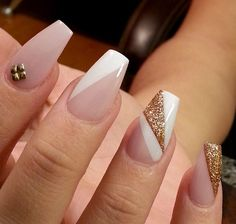 Decking your nails out in seasonal and patterned designs is fun, but there's nothing more chic and timeless than a classic nude manicure. But if you occasionally want to give your manicure an understated punch, pale nails aren't limited to one solid Fabulous Nails, Gorgeous Nails, Pretty Nails, Hair And Nails, My Nails, Nails 2017, Nude Nails, Acrylic Nails, Coffin Nails