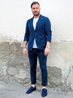 ブルー系×ホワイト系+クルーネックカットソーが好印象!07 | メンズファッションの決定版 | MEN'S CLUB(メンズクラブ)