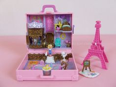 Vintage Bluebird Polly Pocket Polly in Paris Playset - 1996 EUC Right In The Childhood, 90s Childhood, Childhood Memories, Vintage Barbie, Vintage Toys, Polly Pocket World, Poly Pocket, Mini Things, Barbie Furniture