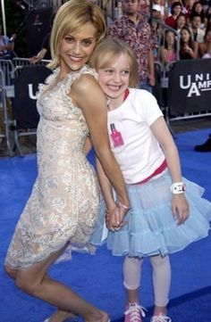 Dakota Fanning and brittany murphy