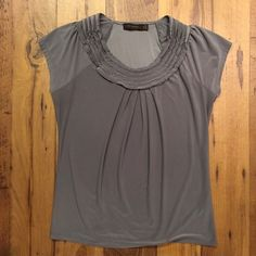 The Limited gray top size medium Adorable neck detail. Soft material with a luxurious sheen. The Limited Tops Blouses