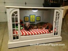 nice dog house or play area for the kids or Ollie's new dog crate! Diy Pour Chien, Diy Dog Bed, Dog Furniture, Upcycled Furniture, Pallet Furniture, Furniture Ideas, Dog Rooms, Animal Projects, Pet Beds