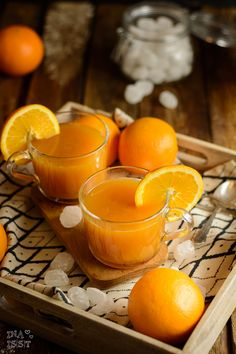 Winterlicher Orangenpunsch mit Rum und Kandis von Diamant Zucker – Ina Isst Here you will find delicious recipes for baking and cooking. There are many recipes from my everyday life as well as creative international cuisine. Juice Recipes For Kids, Healthy Juice Recipes, Drinks Alcohol Recipes, Healthy Juices, Healthy Eating Tips, Healthy Drinks, Healthy Life, Healthy Foods To Eat, Cranberry Juice Cocktail