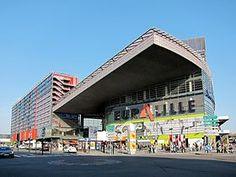 L'entrée du centre commercial Euralille