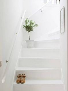 Why not to get Scandinavian style to you home? Use fur, light colors, and lots of wood. See more Scandinavian Home Design Ideas at Scandinavian Style Home, Scandinavian Interior Design, Home Interior Design, Interior Paint, Swedish Decor, Interior Colors, Painted Staircases, Painted Stairs, Wooden Stairs