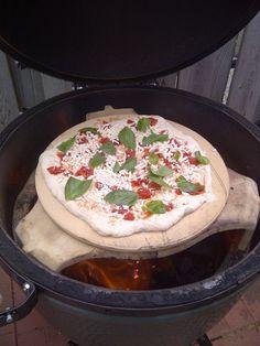 BBQ'd pizza from barbecue maven DivaQ.ca