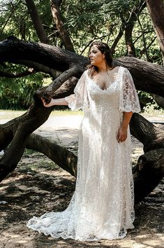 Rosie by studio levana all lace wedding dress withe bell shape sleeves and soft v neckline size wedding dresses with sleeves Curvy Babe-Plus size wedding gowns - Studio Levana - Couture Wedding Gowns Lace Styles For Wedding, Plus Size Wedding Gowns, Evening Dresses For Weddings, Lace Weddings, Wedding Ideas, Plus Size Elopement Dress, Plus Size Brides, Elegant Wedding, Wedding Dress Sleeves