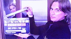 ~ONCE~ Season 4 Bloopers Could this man (Robert <3 Carlyle) be ANY MORE LOVEABLE??!!! ***