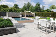 Hochwertige Pflastersteine, Terrassenplatten, Stufen und Mauersysteme für die Stadt- und Landschaftsgestaltung sowie besondere Terrassen- und Gartengestaltung.