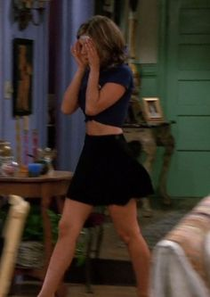 Jennifer Aniston in a sexy outfit as Rachel Green on Friends Rachel Green Outfits, Estilo Rachel Green, Rachel Green Friends, Rachel Green Style, Rachel Green Fashion, Rachel From Friends Outfits, Rachel Green Costumes, Fashion Tv, Fashion Outfits