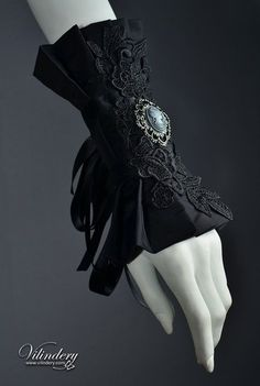 Extravagant Cuff with Lady Cameo - Dark Fashion, Elegant Got. - Extravagant Cuff with Lady Cameo – Dark Fashion, Elegant Goth, Dark Romantic Wedding Jewelry, Got - Moda Steampunk, Steampunk Fashion, Victorian Fashion, Gothic Steampunk, Steampunk Clothing, Fashion Vintage, Moda Lolita, Lolita Mode, Gothic Chokers