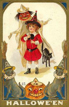 Vintage Halloween Postcard by Suzee Que, via Flickr