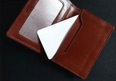 Prestigio - exkluzívny vizitkár/vizitník - koňakovej hnedej farby - ručná výroba Card Holder, Wallet, Cards, Fashion, Luxury, Moda, Rolodex, Fashion Styles, Maps