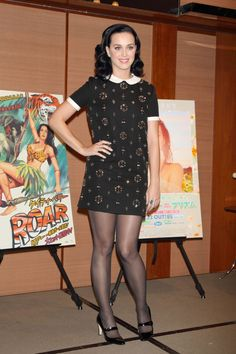 Katy Perry in pantyhose Celebrities In Stockings, Katy Perry Hot, Katy Perry Pictures, Pantyhose Legs, Nylons, Tights, Dresses For Work, Celebs, Clothes