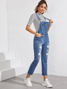 Ripped Pocket Front Denim Overall Denim Dungarees Outfit, Long Overalls, Jumpsuit Outfit, Best Casual Outfits, Summer Outfits Women, Teen Fashion Outfits, Cute Outfits, Jumper Pants, Denim Jumper