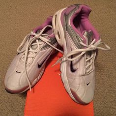 Nike Max This women's running shoe is air max for support when running. The right shoe has discoloration on the bottom back of the shoe. It can be polished white. The shoe itself is in great condition. Nike Shoes