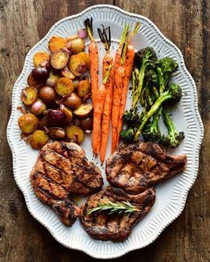 Dinner was a little late tonight, but well worth the wait. Grilled bone-in pork chops, grilled carrots, grilled broccoli and pan roasted potatoes. Simple ingredients, simple seasoning, simple preparation... simply delicious! Hope y'all had a great day! #WeberGrillCa #porkchops Grilled Carrots, Grilled Broccoli, Pan Roasted Potatoes, Weber Grill, Roasting Pan, Grill Pan, Pork Chops, Grilling, Dinner