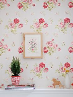 *IF* I ever get my own space, just for me, either an office or a craft room, I'm doing this wallpaper.