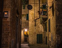 nik's Licht + Schatten - Old Town Siena Siena, What A Wonderful World, Old Town, Wonders Of The World, City, Gallery, Places, Photography, Landscapes