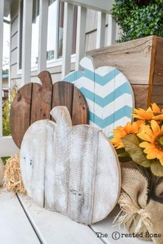 creative-diy-pallet-projects-patterned-painted-pallet-pumpkins-for-porch-decor-the-created-home