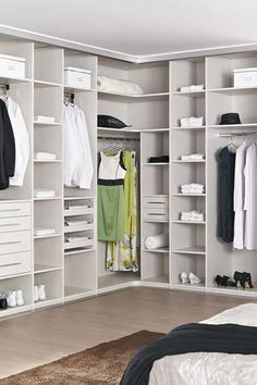 Trendy bedroom walk in closet plans ideas Bedroom Closet Doors, Bedroom Closet Storage, Wardrobe Room, Wardrobe Design Bedroom, Bedroom Cupboards, Walk In Closet Design, Closet Designs, Closets Pequenos, Dressing Room Design