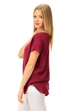 MANILA GRACE - T-Shirts - Abbigliamento - Blusa in viscosa con chiusura a bottoncino con scollo a goccia sul retro. Fondo asimmetrico. - MD190 - € 73.00