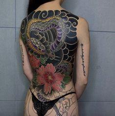 Y a k u z d a girl tattoos, tatoos, tattoo designs, ink, japanese aesthetic Girl Back Tattoos, Sexy Tattoos For Girls, Back Tattoo Women, Sleeve Tattoos For Women, Tattoo Girls, Asian Tattoos, Hot Tattoos, Body Art Tattoos, Tatoos