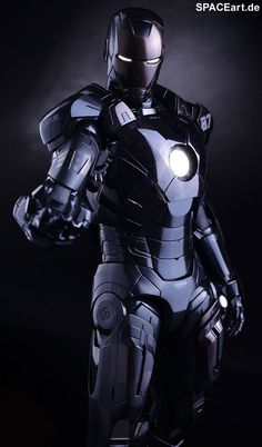 The Avengers: Iron Man Mark VII - Stealth Mode, Deluxe-Figur (voll beweglich) ... https://spaceart.de/produkte/tav023.php