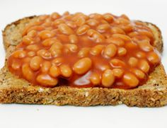 Need some 200 calorie snack suggestions for your third trimester? Here are 20 healthy, tasty snacks ideal for pregnancy - BabyCentre UK Baked Beans On Toast, No Calorie Snacks, 200 Calories, Yummy Snacks, Chana Masala, Healthy Living, Vegetarian, Tasty, Nutrition