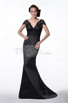 Fashionable V-neck Trumpet/Mermaid Lace Court Train Short Sleeves Evening Dress