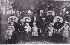 St-Oedenrode, september 1928, Fam. H. Hulsen op Espendonk voor het vertrek van zuster Marie Catharina naar China.Yawalapiti #NoordBrabant