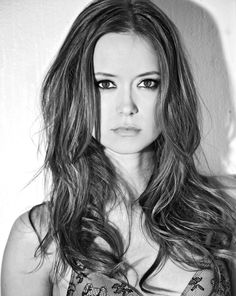 Dorothy Martin is a smokin' hot babe from San Diego. We'd even forgive her for being a Padres fan, and that's saying something. Dorothy isn't just a Summer Glau, Hot Actresses, Hollywood Actresses, Beautiful Actresses, Ali Macgraw, Eliza Dushku, American Women, Pretty Woman, Gorgeous Women