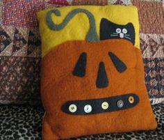 halloween felt crafts | happy halloween here s a photo of my pumpkin cat halloween pillow this ...