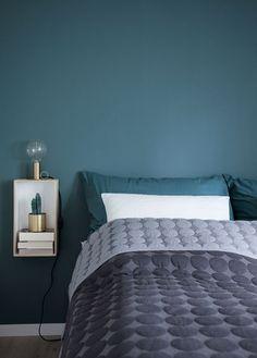 What You Must Consider for Cozy Bedroom Lighting - Home to Z Bedroom Green, Cozy Bedroom, Bedroom Colors, Dream Bedroom, Master Bedroom, Bedroom Decor, Bedroom Ideas, Bedroom Design On A Budget, Modern Bedroom Design