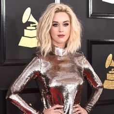 Grammys 2017: Katy Perry's Platinum Blonde Hair Is a Standout on the Red Carpet