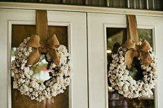Cotton wreaths for a cotton wedding :)