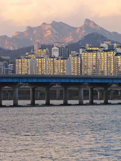 ✮ Bridge Over Han River In Seoul, South Korea