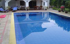 Swimming pools construction in Thailand. Construction de piscines en Thaïlande. www.d2c-building.com/