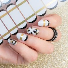 Tomorrow is the last day you can order the #SoNailiciousxJamberry wraps. Be sure to get them while you can! @so_nailicious #GeoFrenchTwistJN #DecoJN