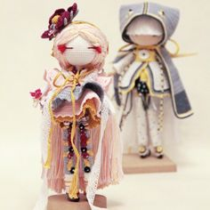 Beautiful amigurumi girl dolls with detailed clothing. Instagram photo by @kukukolki via ink361.com. (Inspiration).