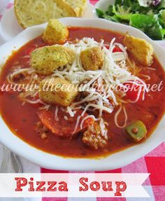 Pizza Soup Recipe from The Country Cook. This is very similar in flavors to Lasagna Soup. Wonderful with garlic bread. This is a soup my whole family loves! Soup Recipes, Dinner Recipes, Cooking Recipes, Chowder Recipes, Yummy Recipes, Dinner Ideas, Cooking Stuff, What's Cooking, Chili Recipes